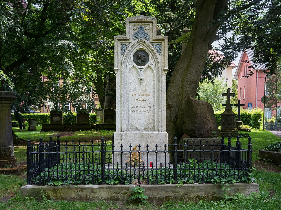 Grave of Carl Friedrich Gau%C3%9F at Albani-Friedhof G%C3%B6ttingen 2017 02.jpg