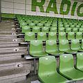 Groene stoeltjes op de banken gemonteerd op de tribune - Groningen - 20383733 - RCE.jpg