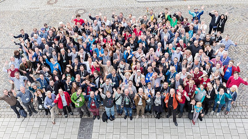 File:Gruppenfoto WikiCon2017 IMG 9159 LR10 by Stepro.jpg