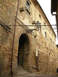 Entrata del castello di Guardistallo