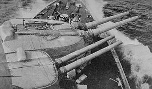 HSwMS Gustav V - Forward 28 cm and 15.2 cm cannon.