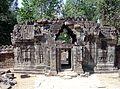 Gupura I West Ta Som Angkor1018.jpg