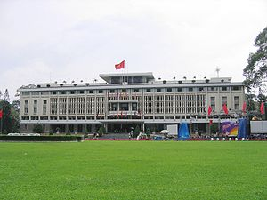 The Amazing Race Vietnam 2013 - The Reunification Palace in Ho Chi Minh City was the starting line of the second season of The Amazing Race Vietnam