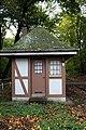 HGK-Trasse-Friedrich-Schmidt-Str-Wärterhäuschen-unter-Denkmalschutz.JPG