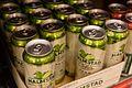 Halmstad Cider i en butikkhylle.jpg