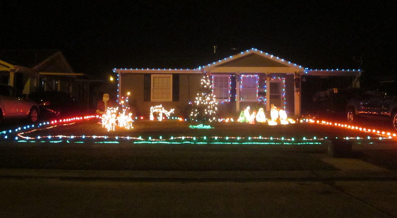 File Harrahan Christmas Lights House 2 Jpg Wikimedia Commons