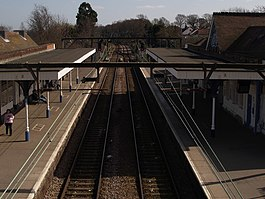Hockley Station, looking towards Southend Victoria - geograph.org.uk - 1204520.jpg