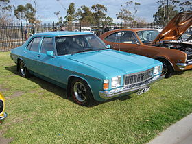 Holden Kingswood HX Sedan.jpg