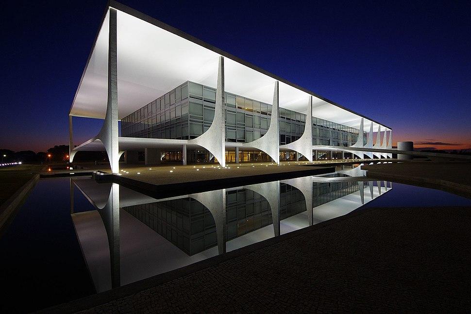 Homologação do tombamento de obras do Niemeyer (35035168191)