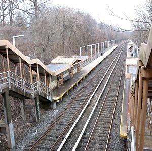 Huguenot (Staten Island Railway station)