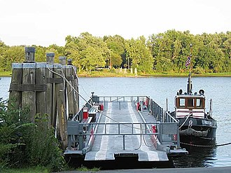 Rocky Hill–Glastonbury ferry - The Hollister III (barge) and the Cumberland (tow boat)