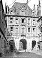Immeubles - Pavillon sur la rue de Birague - Paris 04 - Médiathèque de l'architecture et du patrimoine - APMH00002089.jpg