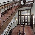 Interieur, glazen pui in trappenhuis - Amsterdam - 20399242 - RCE.jpg