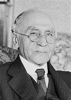 Isaac Isaacs 1936 (cropped).jpg