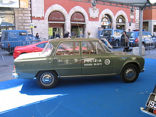 Historic Italian State Police &quotPanther&quot Alfa Romeo Giulia Super of the Flying Squad - Polizia di Stato