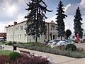 Józefów - budynek urzędu miejskiego (1).jpg