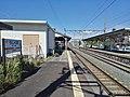 JR-Ushikubo-station-platform.jpg
