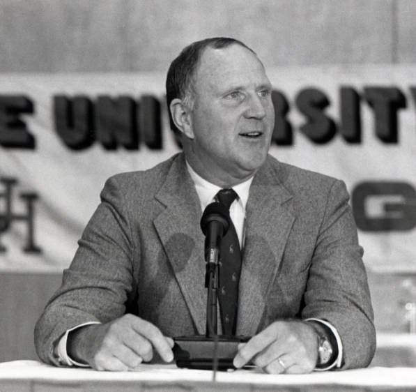 Jack Pardee as Houston Cougars head football coach