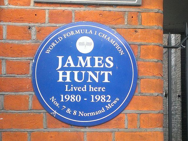 James Hunt blue plaque - World Formula 1 Champion James Hunt lived here 1980-1982