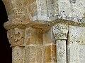 Javerlhac chapelle Saint-Robert chapiteaux portail (5).JPG