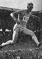 Jean Gallet, champion de France du 3000 mètres steeple en juillet 1946.jpg