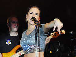 Jessie James-Tour for Troops 2009.jpg