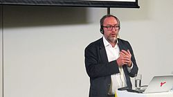 Jimmy Wales in Moscow 2016-09-14 25.jpg
