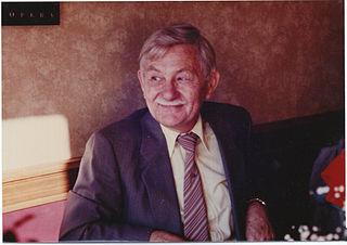 John B. Calhoun American ethologist and behavioral researcher