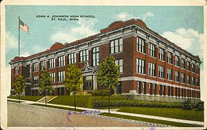 Johnson Senior High School (Saint Paul, Minnesota) - This building was home to Johnson High School from around 1911 to 1963