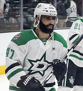 Johnny Oduya (26200242495) (cropped1).jpg