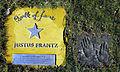 Justus Frantz auf dem Walk of fame im Kurpark von Bad Krozingen.jpg