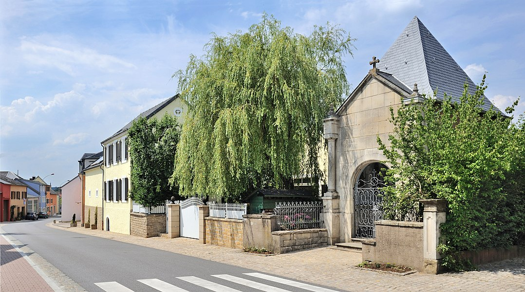 Kehlen, Luxembourg: rue d'Olm, chapel.