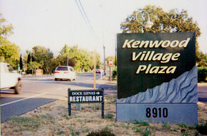 Kenwood, California - One possible definition of Kenwood's center is this plaza. The post office is located in the plaza.