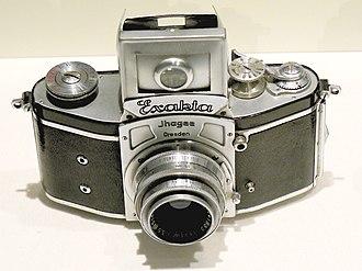 History of the single-lens reflex camera - Ihagee Kine Exakta 1 of 1936