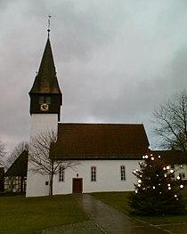 Kirche Derental mit Weihnachtsbaum.jpg