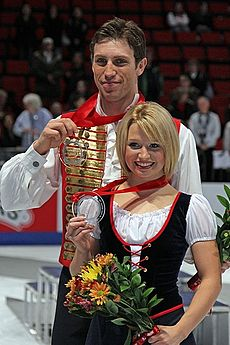 Kirsten Moore-Towers und Dylan Moscovitch bei Skate America 2010