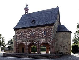 Lorsch - Carolingian gatehall