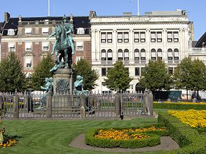 Kongens Nytorv - The equestrian statue of Christian V