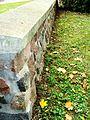Kruszyn ogrodzenie kamienne wokół kościoła 1.JPG