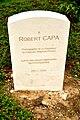 Lápida de Robert Capa.jpg