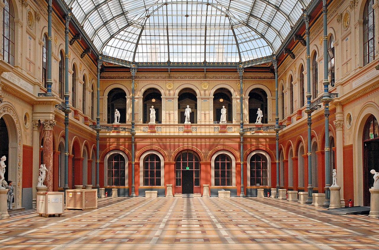 File la cour du palais des tudes de l cole des beaux - Ecole des beaux arts paris ...