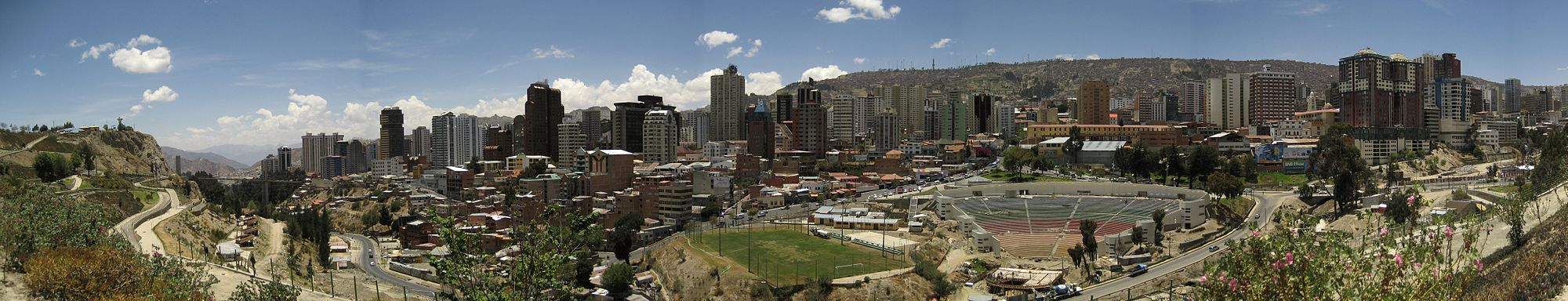 Vista panorámica escontra l'occidente de la ciudá de La Paz.