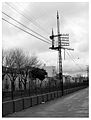 La Plata, calle 1 empedrada paralela a las vias del ferrocarril.jpg