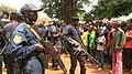 La police intevient pour calmer la population qui manifeste contre l'assassinat du colonel Ndala.jpg