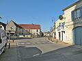 Le Mesnil-en-Thelle rue.JPG