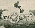 Le comte Gaston de Chasseloup-Laubat le 17 janvier 1899 à Achères sur sa première Jeantaud Duc électrique (RM, La Vie au Grand Air, 18 mars 1899).jpg
