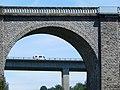Le pont de chemin de fer et l Occitane juste derriere - panoramio.jpg