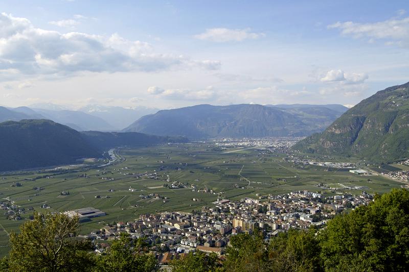 File:Leifers, Bolzano, Italy.png