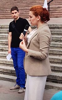 Lesya Orobets meeting with voters.jpg