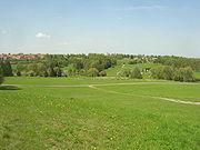 Zde stávaly Lidice – celkový pohled od jihu
